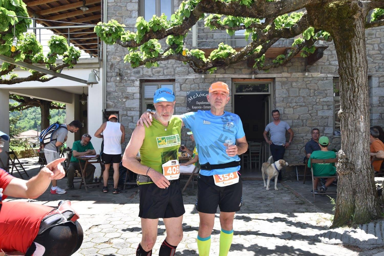 Βλέπετε φωτογραφίες από : Τρέχοντας στο Τρίκορφο